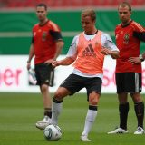 2011 - Hansi Flick beobachtet Mario Götze beim Training des DFB-Team. Foto: Christof Koepsel/Bongarts/Getty Images
